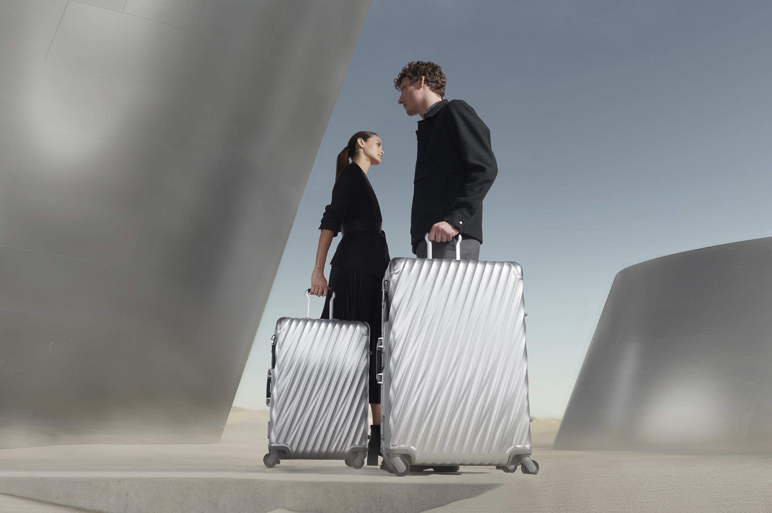 مجموعة حقائب سفر جديدة من TUMI