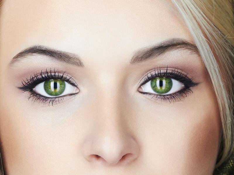 نصائح لإبراز جمال مكياج العيون الخضراء
