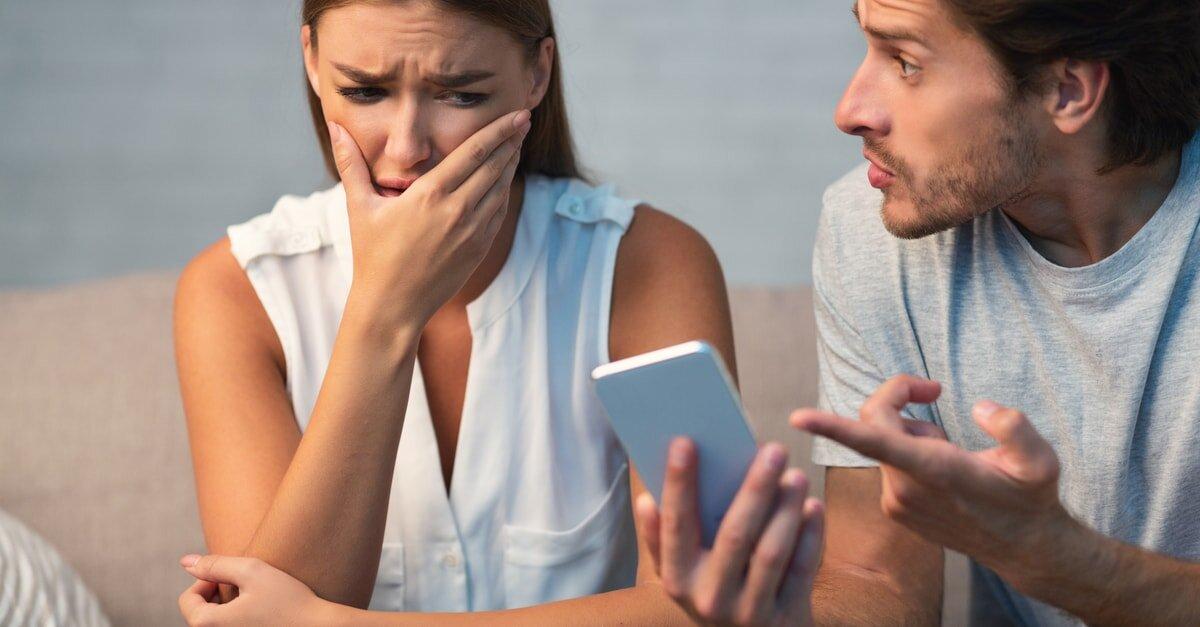 فقدت تليفونها لتكتشف خيانة زوجها وجارتها!!