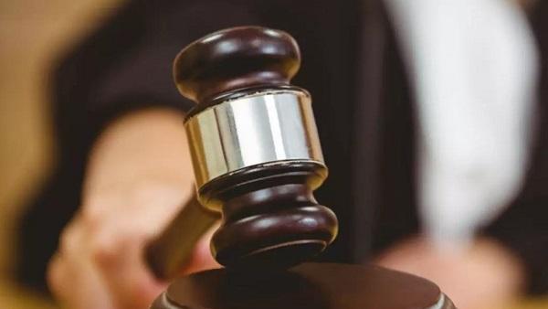 محاكمة قاضي شارك في اختطاف واغتصاب جماعي لفتاة في مارينا