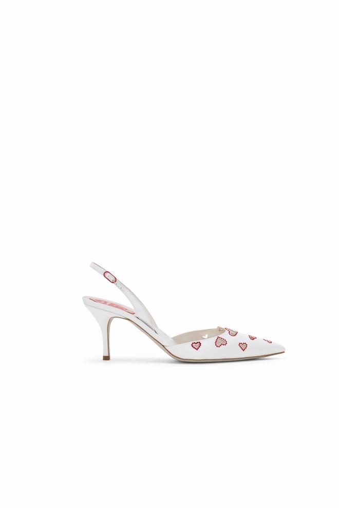 """دار """"رينيه كاوفيلا"""" تطرح حذاء Cora بمناسبة عيد العشّاق"""