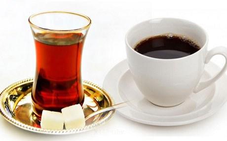 شرب الشاي والقهوة معا ينشط الدماغ ويعزز التمثيل الغذائي