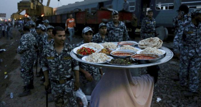 نصائح لتفادي النفخة وعسر الهضم في رمضان