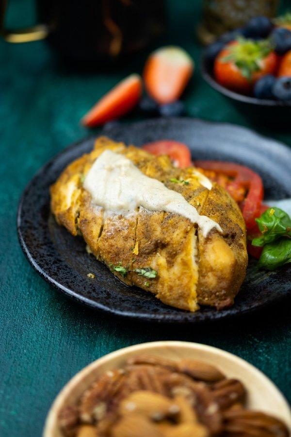 شاورما كيتو غوديز الشهية مع خبز نباتي مفرود
