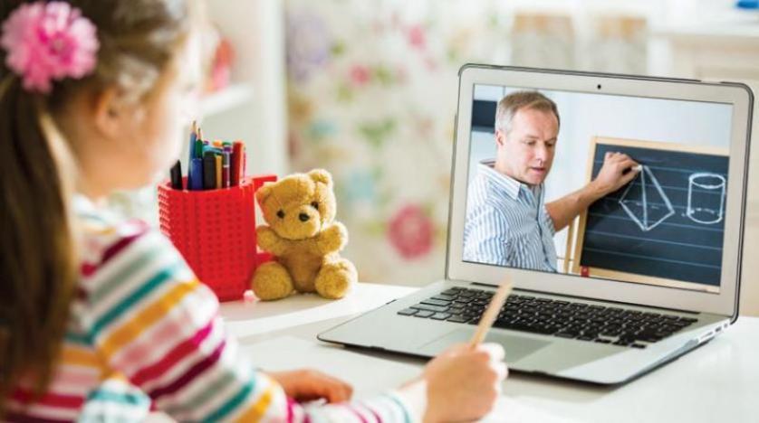 الدراسة عن بعد سبب ضرارا على قدرات الأطفال العقلية