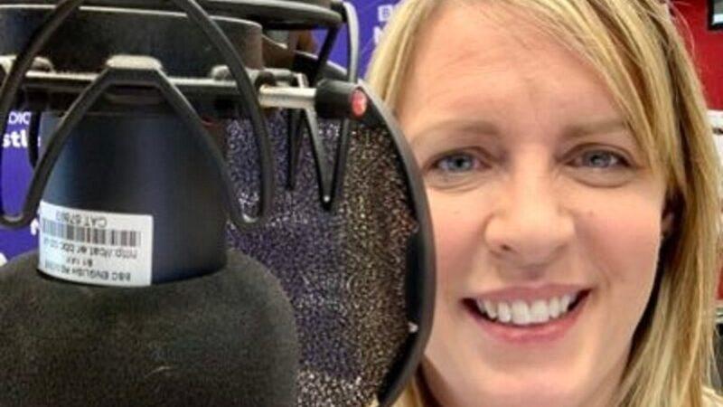 وفاة مذيعة بي بي سي بعد تلقيها لقاح كورونا