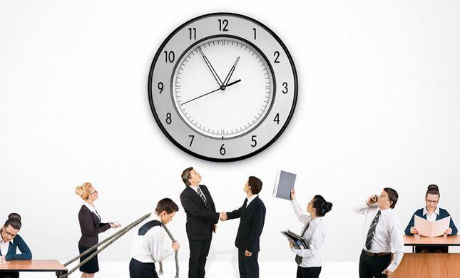 ساعات العمل الطويلة تهدد بالسكتة الدماغية وأمراض القلب