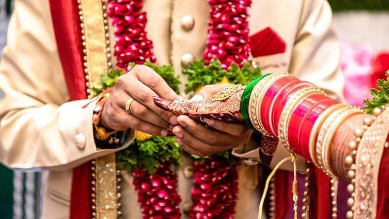 وفاة عروس أثناء مراسم الزفاف واستبدالها بأختها الأصغر