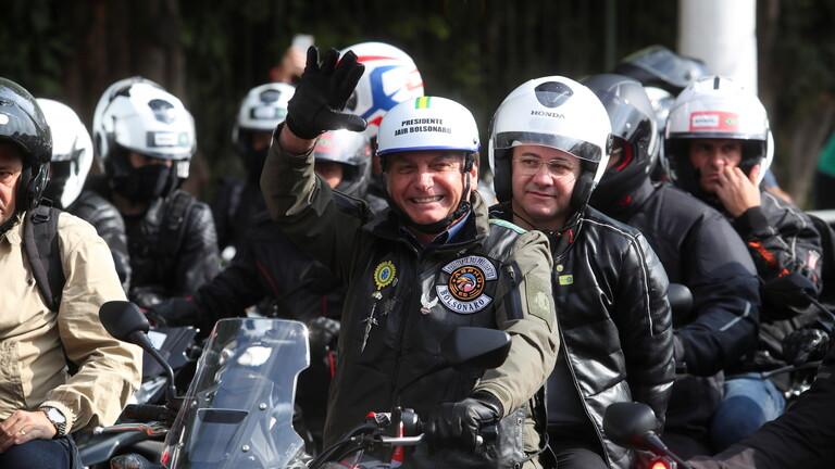 تغريم رئيس البرازيل لعدم ارتداء الكمامة