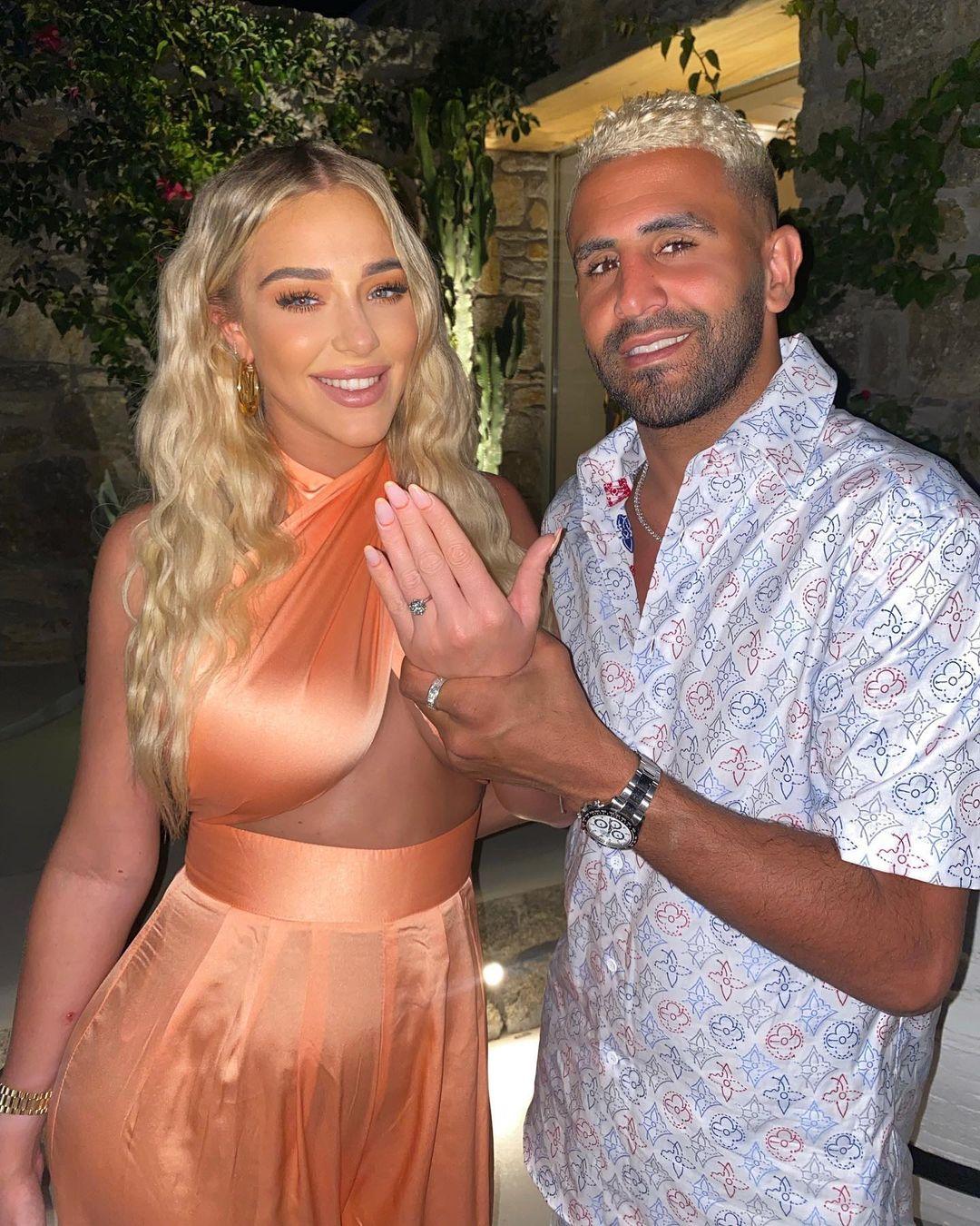 رياض محرز يخطب عارضة أزياء أمها مليونيرة