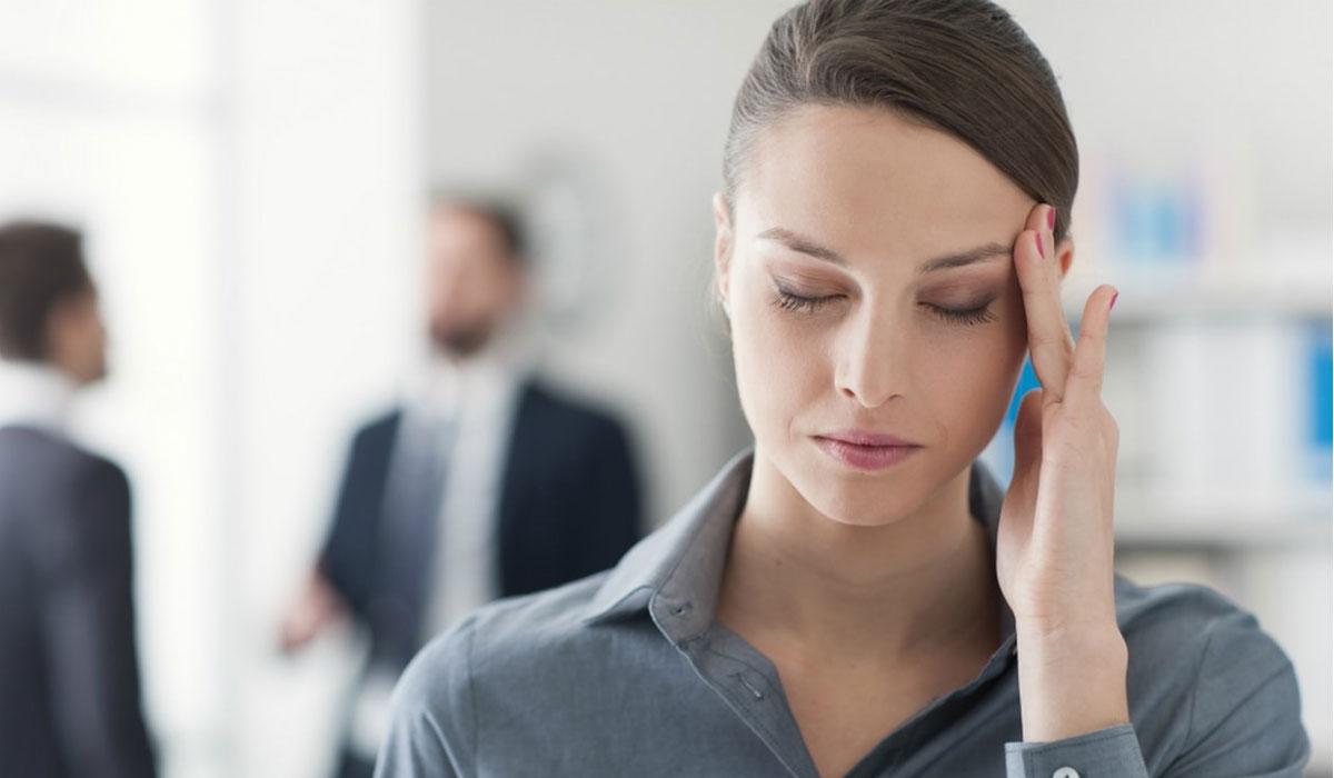 أعراض الصداع الخاصة بمصابي فيروس كورونا